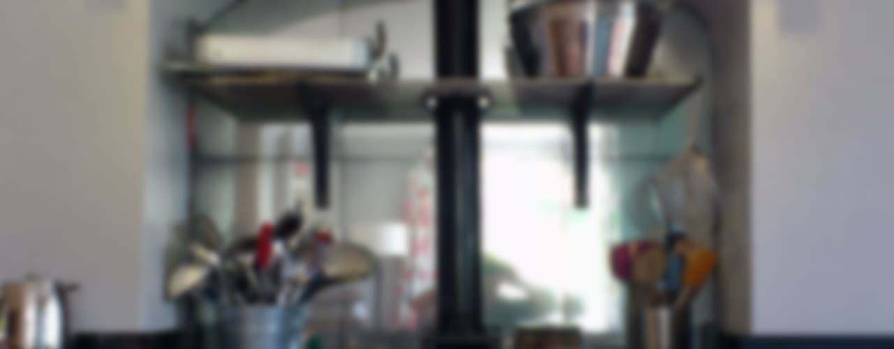 Kitchens Кухня в стиле кантри от Mirrorworks, The Antique Mirror Glass Company Кантри