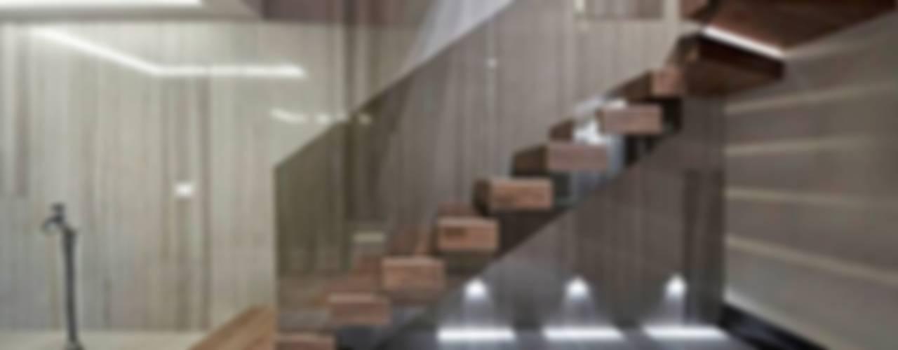 Lantana Parke – KORAY YAVUZER EVİ: modern tarz , Modern
