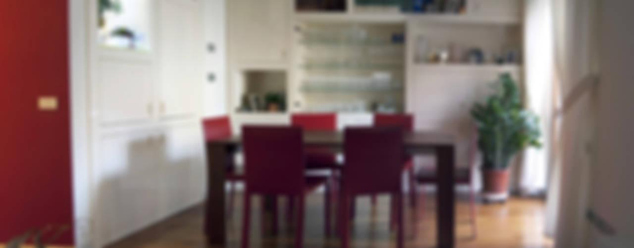 abitazione privata - Milano Sala da pranzo moderna di SENSIBILE DE ROSALES Moderno