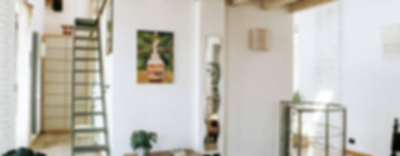 Dormitorios de estilo  por orlandini design sas