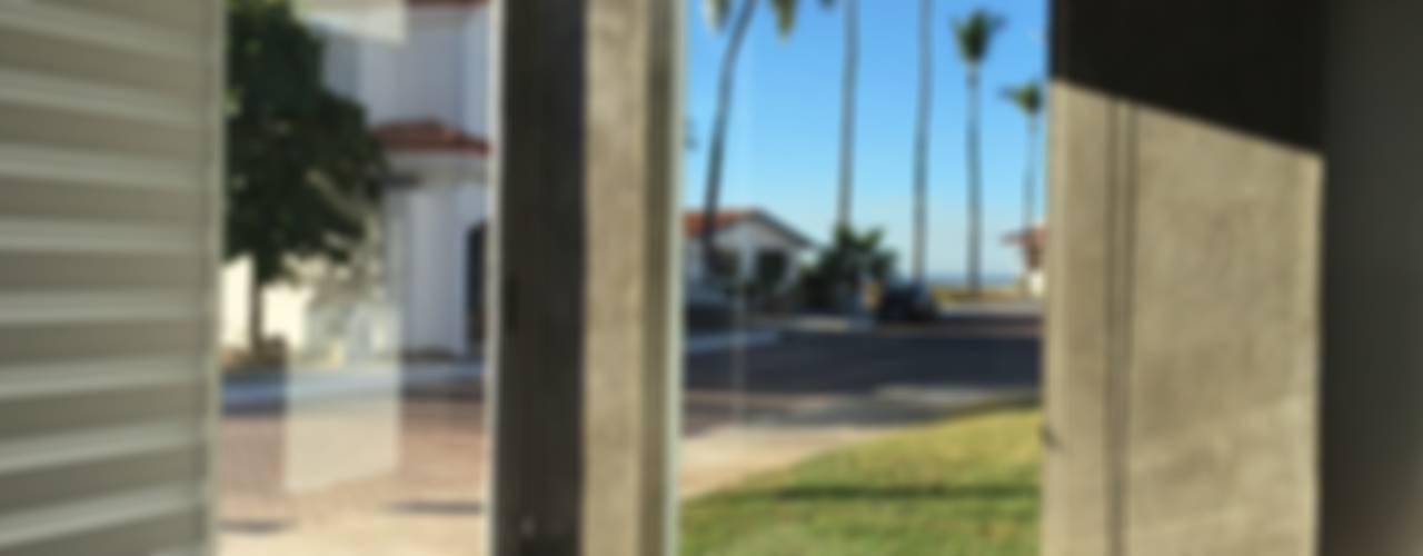 Mazatlan Puertas y ventanas modernas de Arki3d Moderno