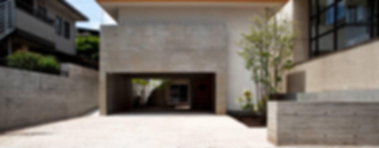 中庭のある和モダンな家 モダンな 家 の 根岸達己建築室 モダン