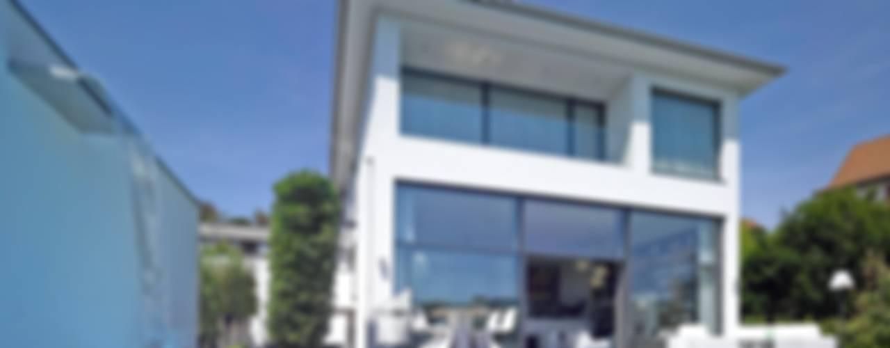 Haus mit Blick in die Weinberge Moderne Häuser von Rosenberger + Neidhardt Modern