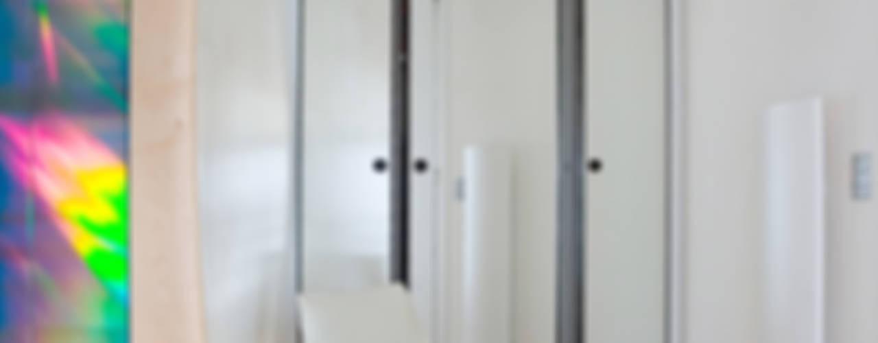 Appartement Paris VII Couloir, entrée, escaliers modernes par Atelier TO-AU Moderne