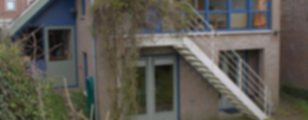 antroposofisch getint woonhuis:  Huizen door mickers architectuur