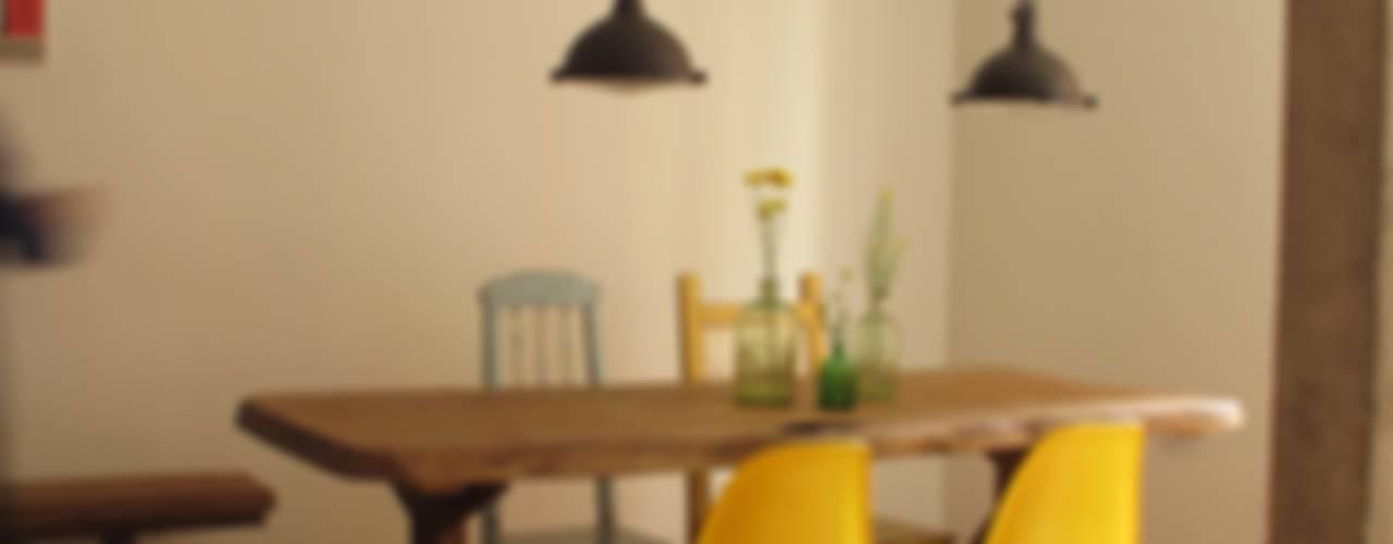 Salle à manger moderne par Rachel Nakata Arquitetura Moderne