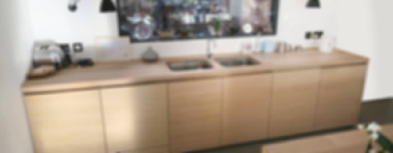 The Chiswick Townhouse Kitchen Minimalist kitchen by NAKED Kitchens Minimalist