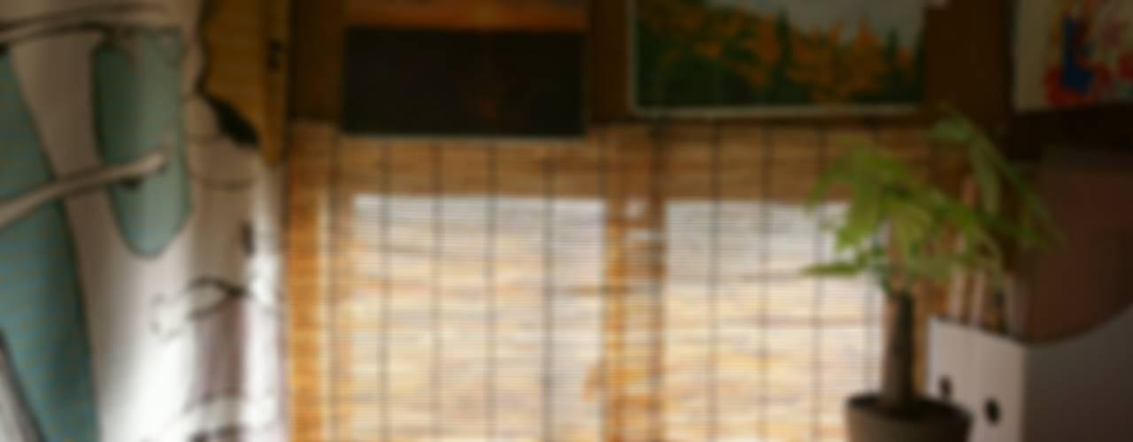 Escritórios ecléticos por ムラカミマサヒコ一級建築士事務所 Eclético