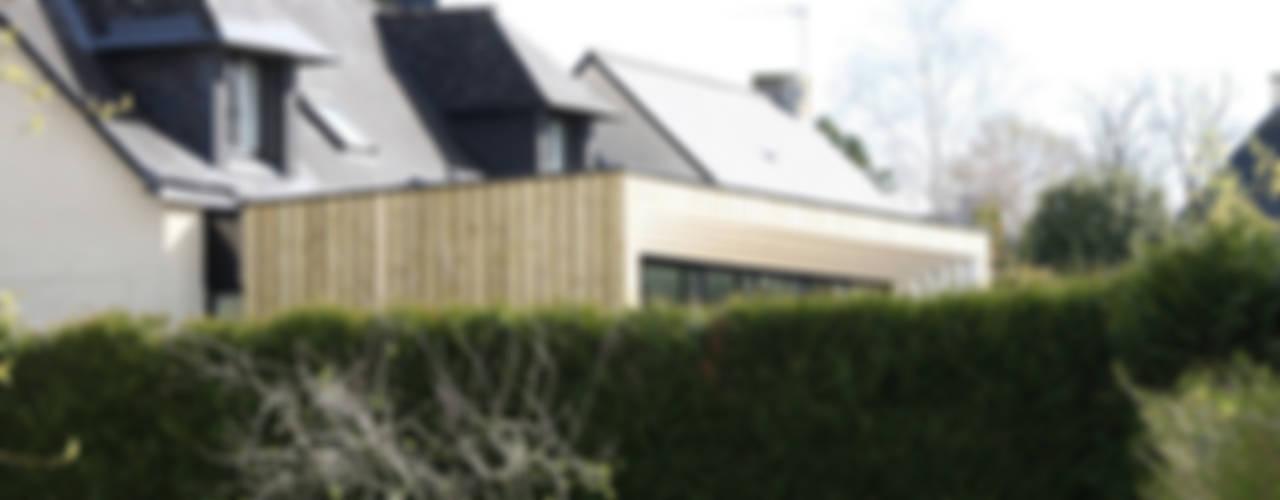 ENGAWA Extension en milieu pavillonnaire Maisons minimalistes par ONZIEME ETAGE SARL d'architecture Minimaliste