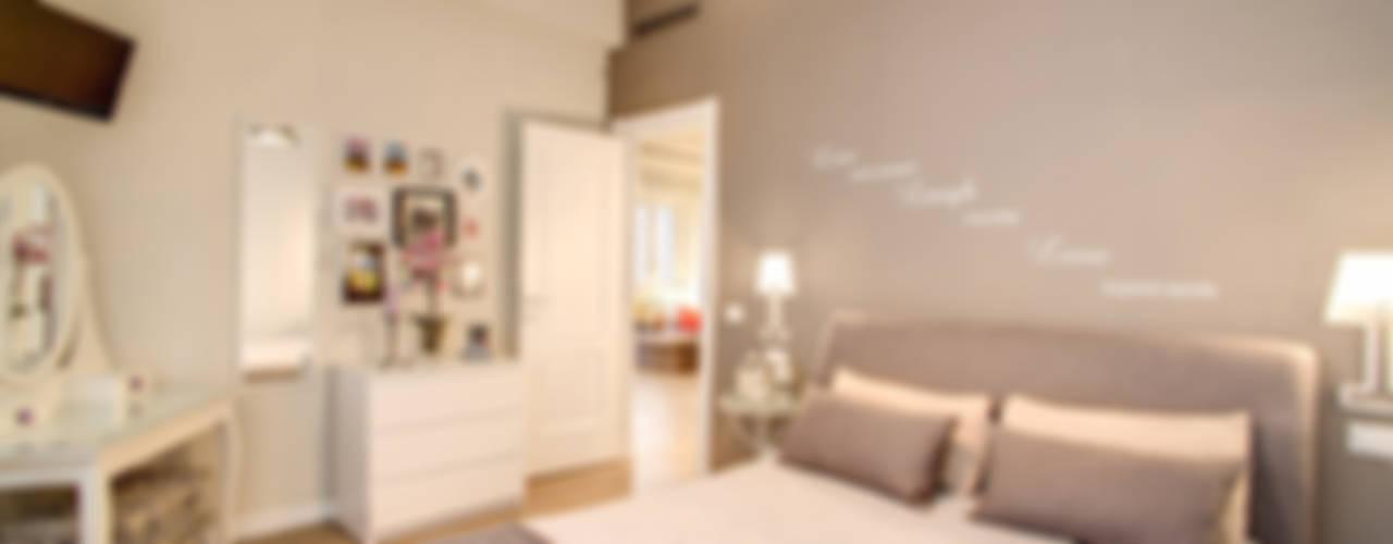 Projekty,  Sypialnia zaprojektowane przez MOB ARCHITECTS