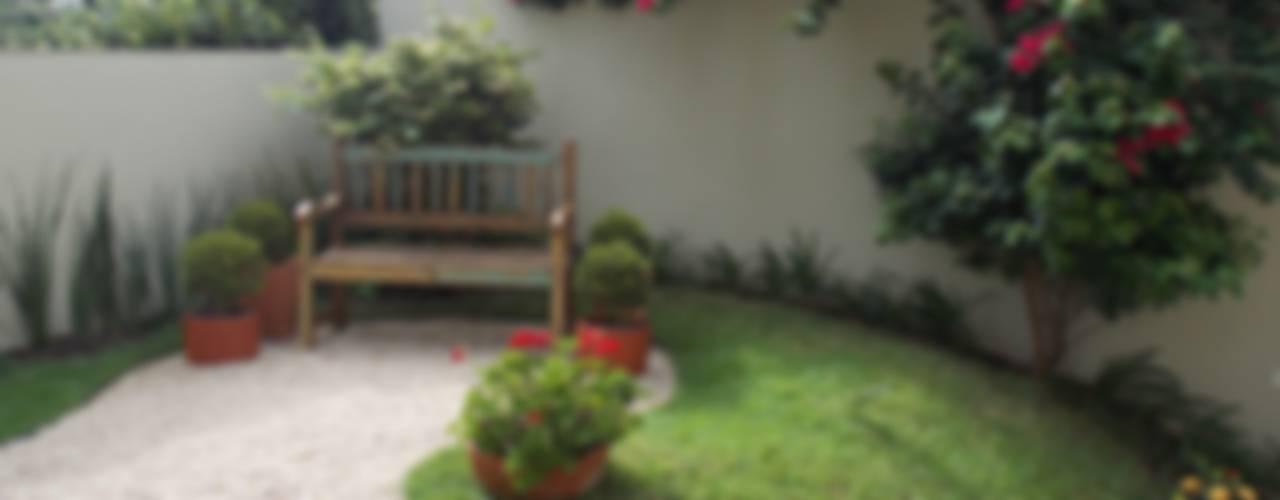 Rustic style garden by Lúcia Vale Interiores Rustic