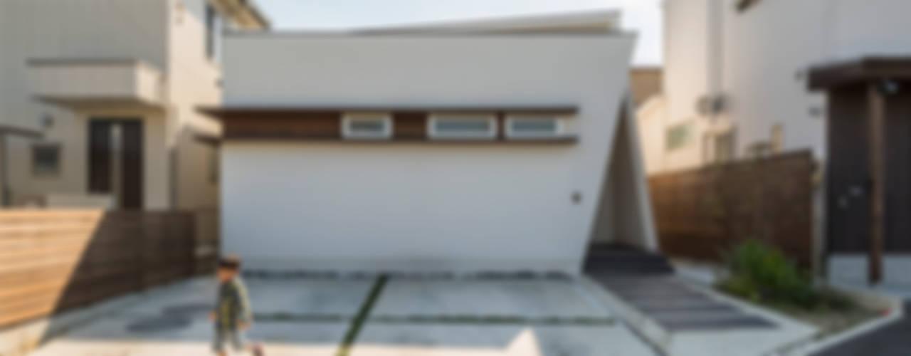 稲沢の家: H建築スタジオが手掛けた商業空間です。