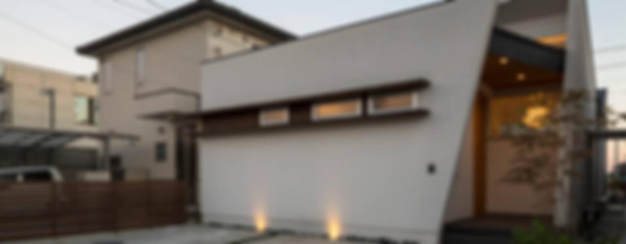 Galerías y espacios comerciales de estilo moderno de H建築スタジオ Moderno