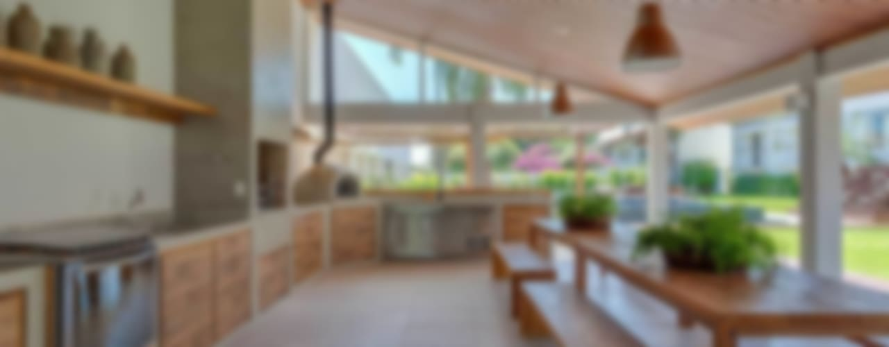 Kolam Renang Modern Oleh Nautilo Arquitetura & Gerenciamento Modern