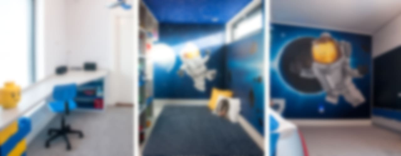 Wnętrze dziecięcych pokoi w Nowej Wsi Lęborksiej Minimalistyczny pokój dziecięcy od Ewa Weber - Pracownia Projektowa Minimalistyczny