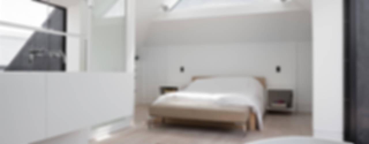 Clarendon Works, Notting Hill, London Moderne slaapkamers van Moreno Masey Modern