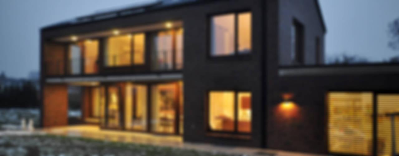 Einfamilienhaus | mit Flair Moderne Häuser von Lecke Architekten Modern