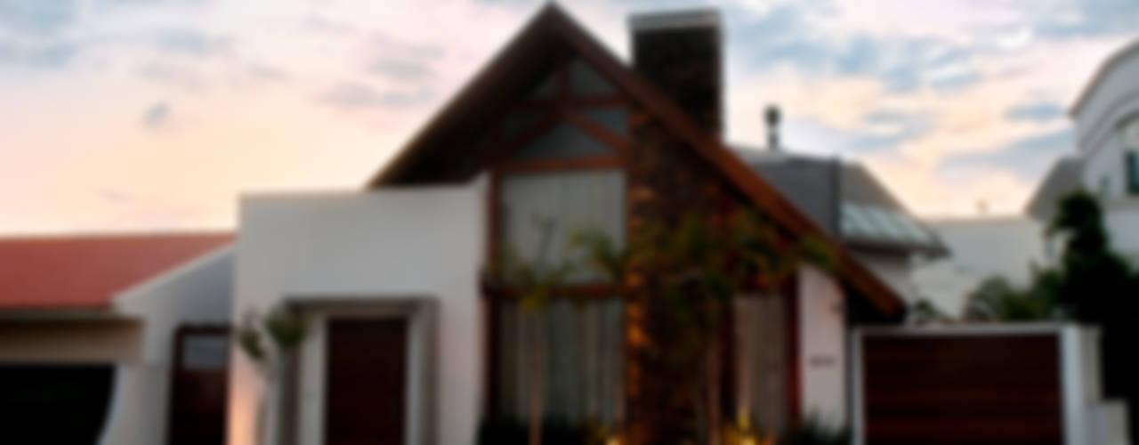 Rustikale Häuser von ArchDesign STUDIO Rustikal