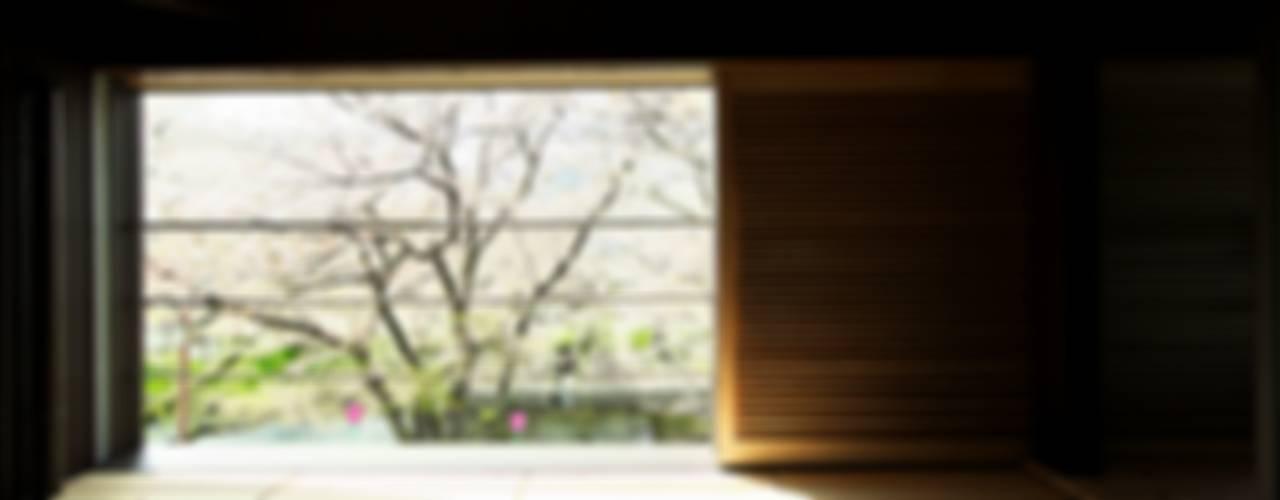 Terrasse de style  par 五藤久佳デザインオフィス有限会社