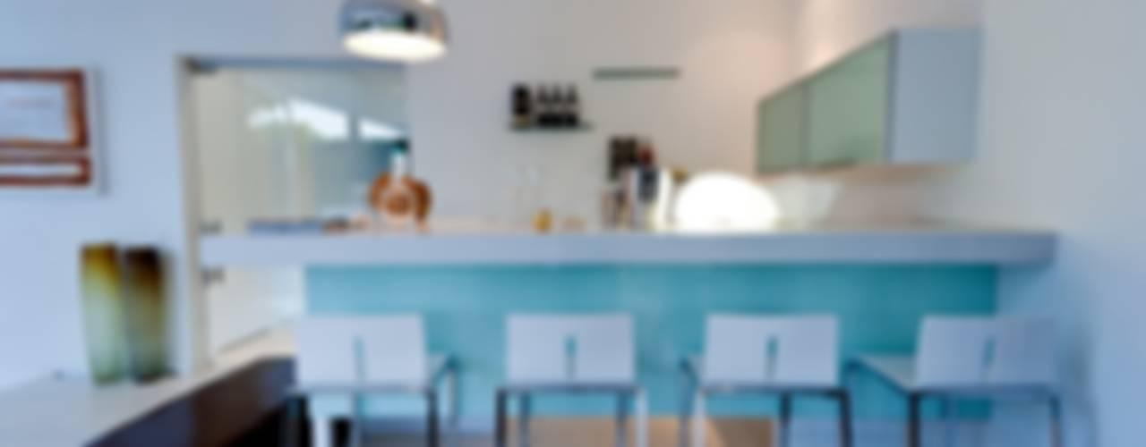 House Mosi by Nico Van Der Meulen Architects Modern