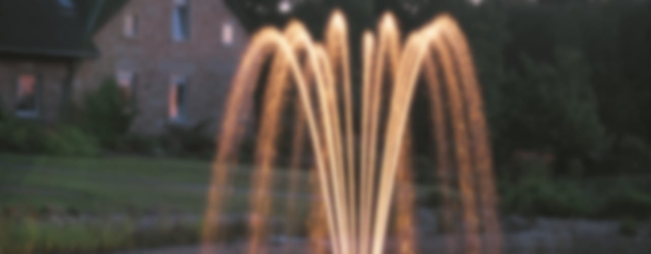 Water Features & Fountains クラシカルな 庭 の Water Garden Ltd クラシック
