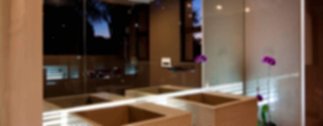 House Fern Casas de banho modernas por Nico Van Der Meulen Architects Moderno