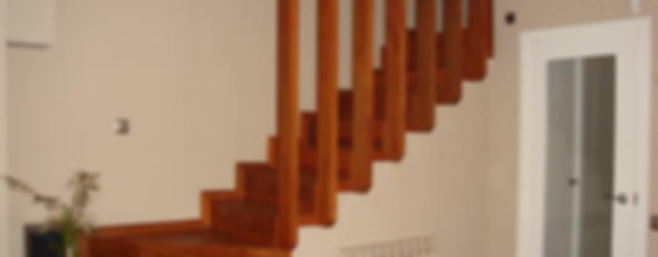 Proyectos y Mobiliario de DEKMAK interiores Moderno