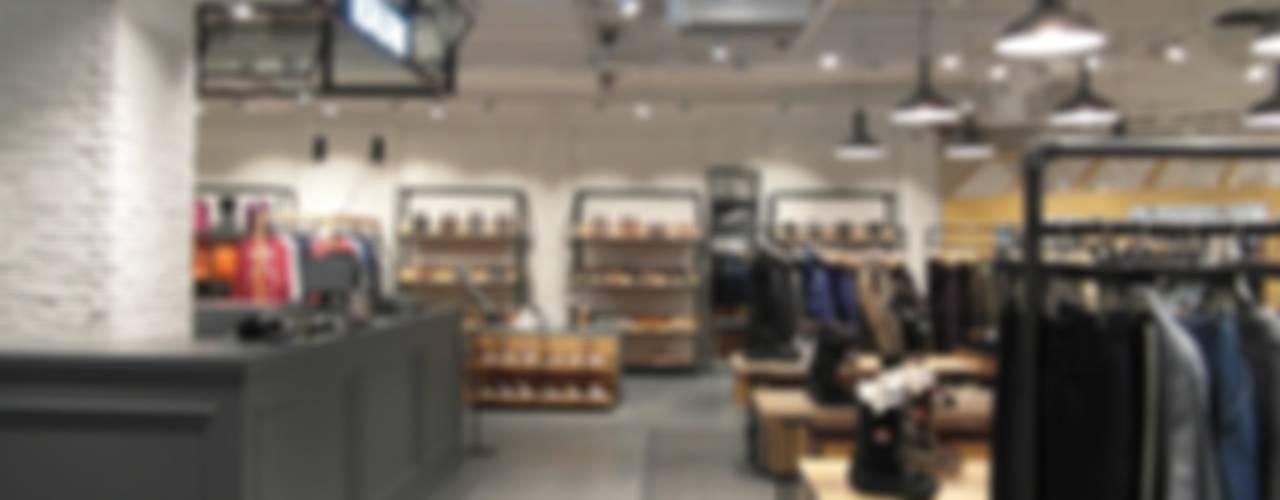 "COEX Mall Premium Brand "" R A U M "" 빈크리트 시공 러스틱스타일 드레싱 룸 by 빈flow 러스틱 (Rustic)"