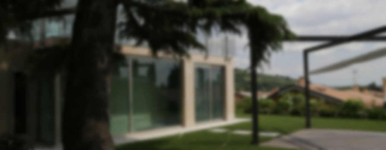 Vườn phong cách hiện đại bởi STUDIO DI ARCHITETTURA ZANONI ASSOCIATI Hiện đại