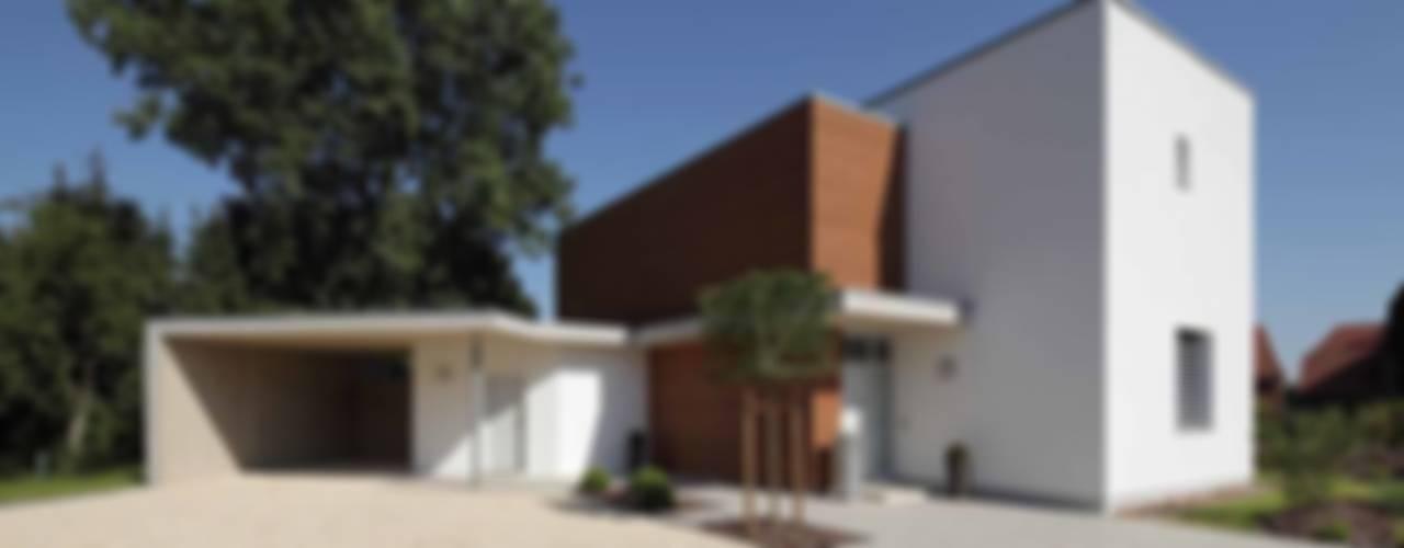 Zukunftsträger in Sachen Optik und Energie Moderne Häuser von Massiv mein Haus aus Mauerwerk Modern