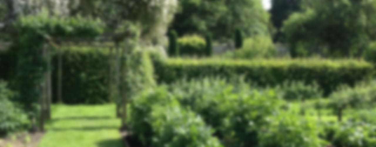 Country estate vegetable garden Country style gardens by Roeder Landscape Design Ltd Country