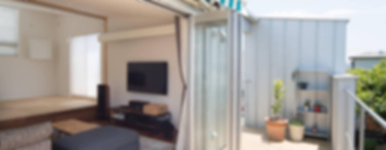 ZIg Zag モダンデザインの テラス の キリコ設計事務所 モダン