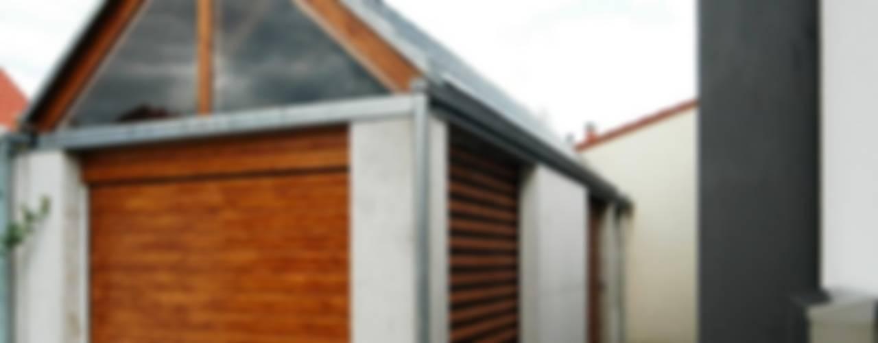 Moderne garage van Architekten Lenzstrasse Dreizehn Modern