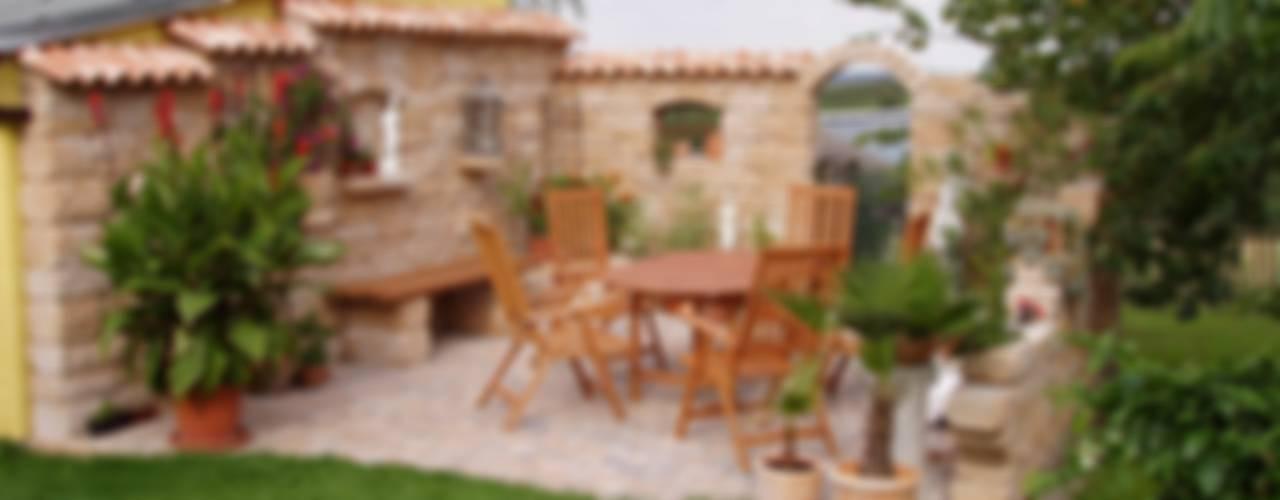 Jardines de estilo  por Rimini Baustoffe GmbH, Mediterráneo
