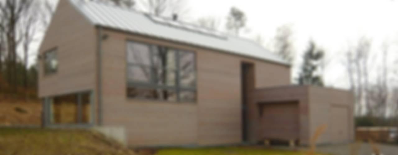 Moderne huizen van Atelier d'architecture François Misonne Modern
