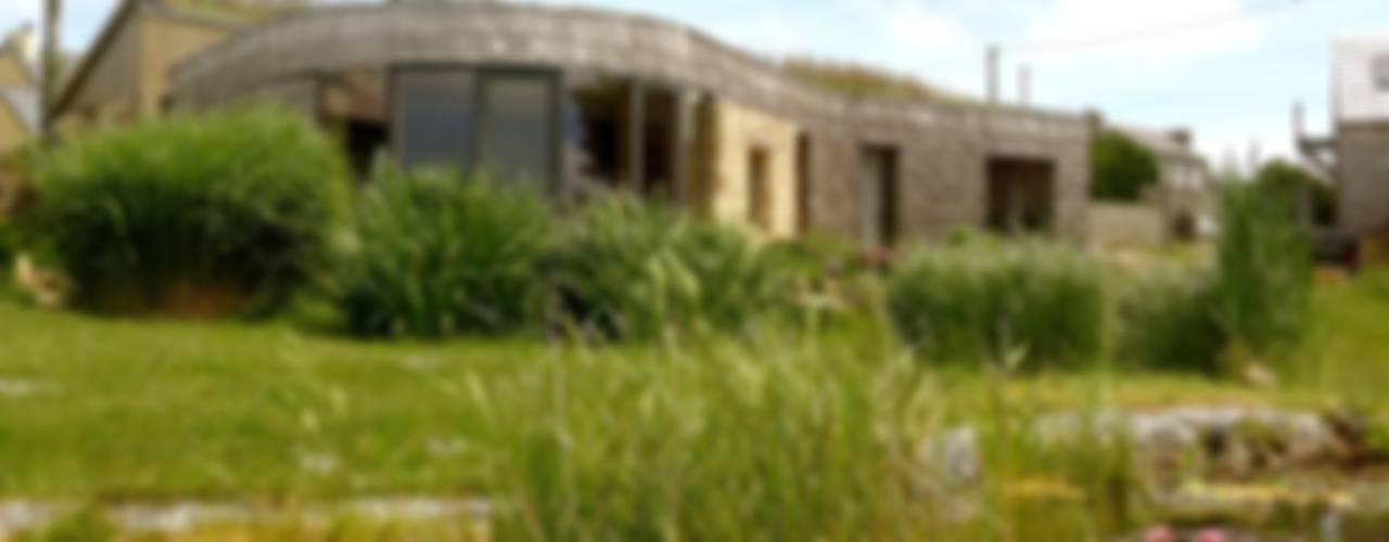 Une maison paille au bout du monde Maisons originales par Karine Montagnon Éclectique