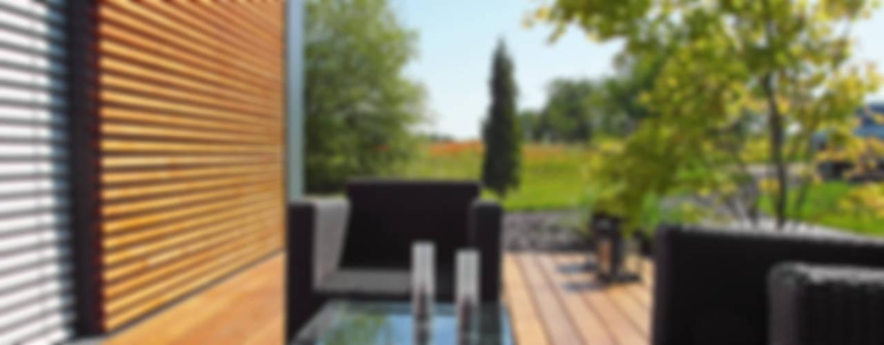 Modern balcony, veranda & terrace by smartshack Modern