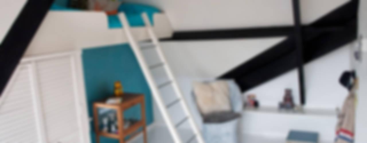 gezinshuis met kleur:  Kinderkamer door IJzersterk interieurontwerp,