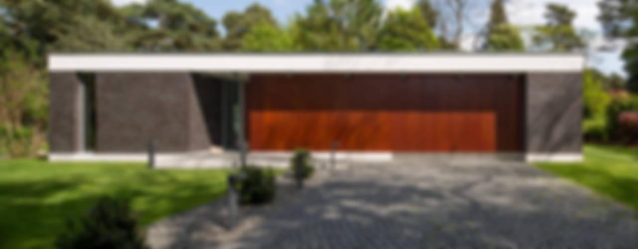 Bungalows de estilo  por Justus Mayser Architekt, Moderno