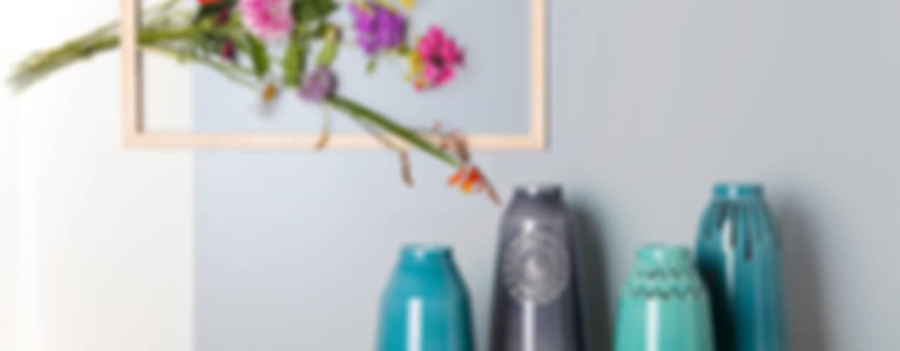 Vases by Douwe & Wiebren: modern  door ANNY&, Modern