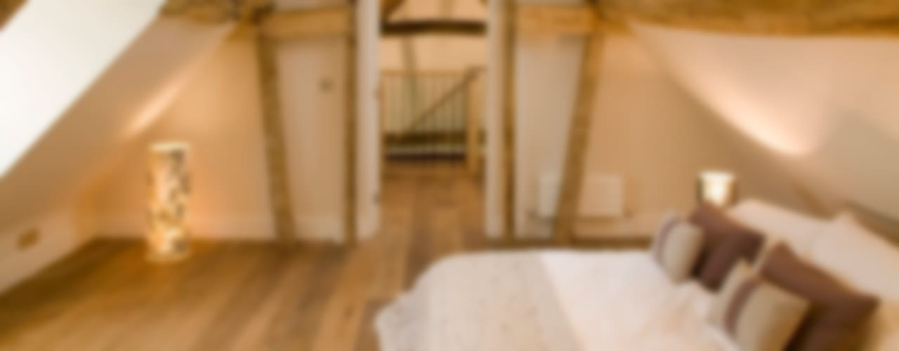 Engineered Oak Flooring Rustic style bedroom by The Prestige Flooring Company Rustic