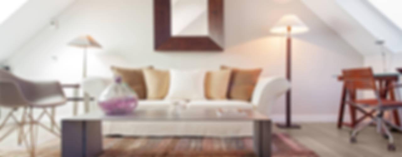Salas / recibidores de estilo  por Tarimas de Autor