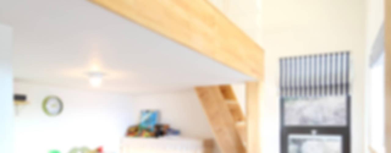 Dormitorios infantiles de estilo moderno de 주택설계전문 디자인그룹 홈스타일토토 Moderno