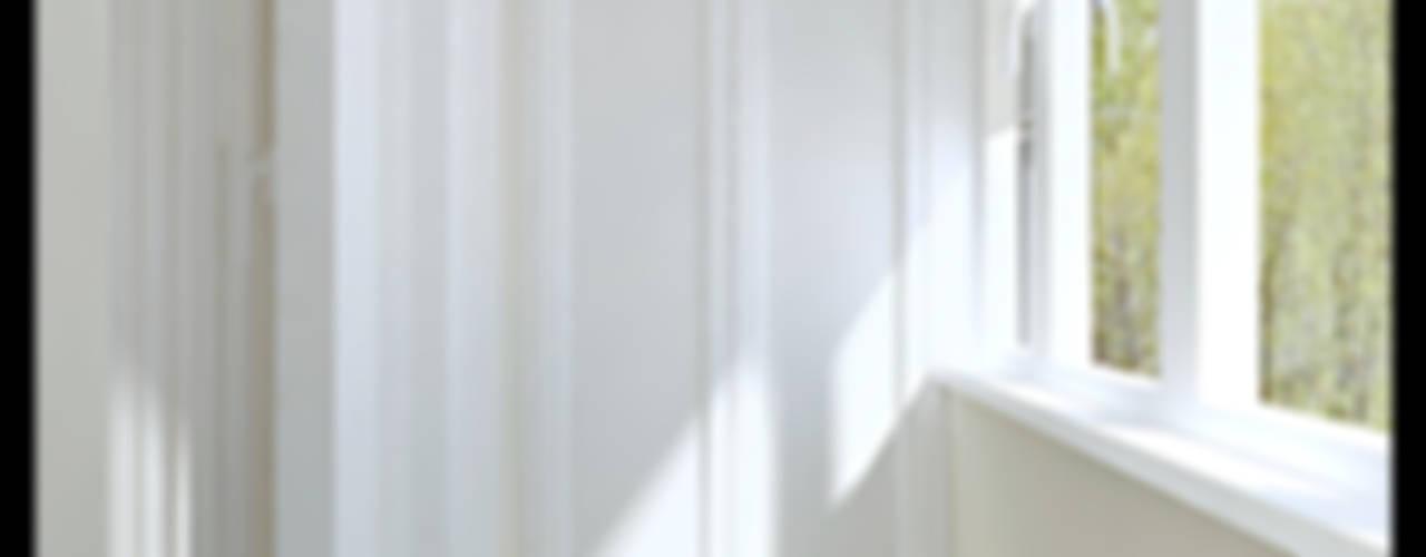 Классика для молодой семьи Балкон и терраса в классическом стиле от Defacto studio Классический