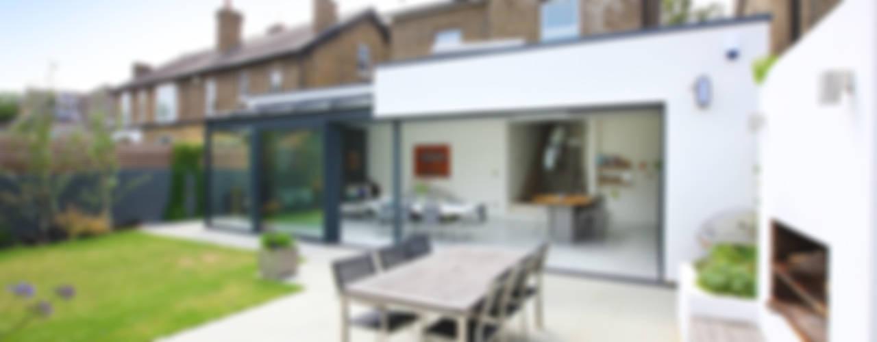 Residential conversion in Kew Modern balcony, veranda & terrace by PAD ARCHITECTS Modern