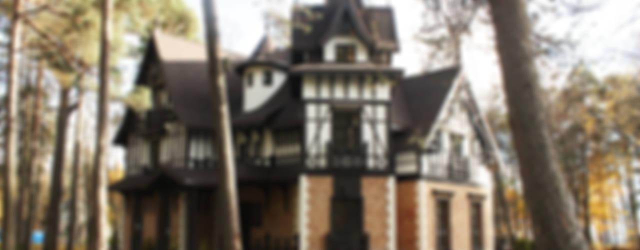 Дома в классическом стиле от homify Классический