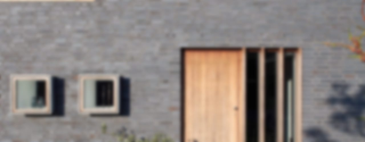 Umbau/Sanierung Hof Horst in Hüllhorst-Büttendorf Klassische Häuser von Dipl.-Ing. Michael Schöllhammer, freier Architekt Klassisch