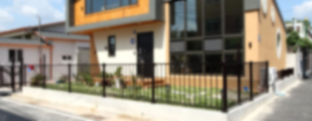 도심형 컴팩트하우스 - 단독주택의 새로운 접근법 모던스타일 주택 by 주택설계전문 디자인그룹 홈스타일토토 모던