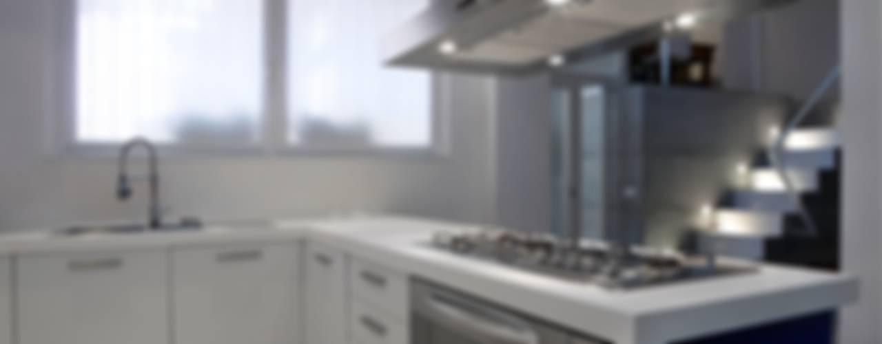 Loft a Milano Cucina in stile industriale di luca bianchi architetto Industrial
