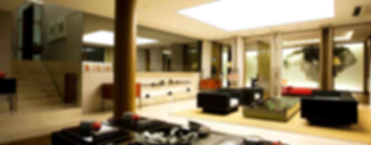 영조주택: NEED21 ASSOCIATES의  거실,한옥
